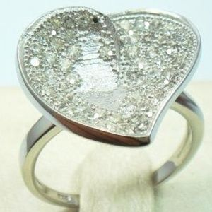 Jewelry - ROUND CUT CUBIC ZIRCONIA RING IN 925 STERLING SILV